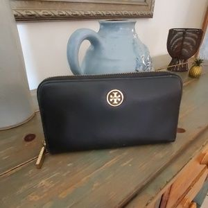 Tory Burch Black Leather Clutch Wallet
